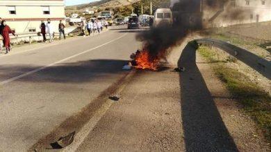 حادثة سير بين تطوان والحسيمة تتسبب في اندلاع النيران في دراجة نارية 3