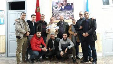 مناضلو الاتحاد المغربي للشغل بطنجة يهدون عمرة للديار المقدسة لحارس المقر رفقة زوجته 3