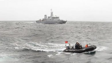 البحرية الملكية بالناظور توقف زورقا سريعا يشتبه في تهريبه للحشيش 10