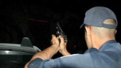 """رجل أمن يستخدم سلاحه الوظيفي لإيقاف """"مشرمل"""" بالبيضاء 2"""