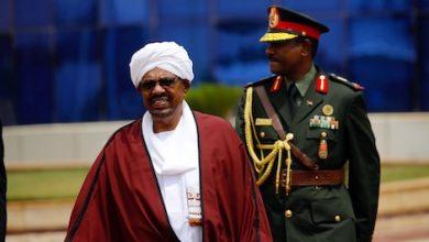 الجيش السوداني يزيح البشير عن كرسي الرئاسة 6