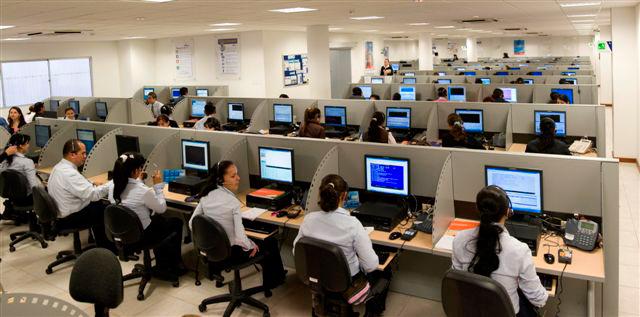اعتقال 100 شخص متورطين في قرصنة مكالمات هاتفية عن طريق مراكز وهمية للنداء 1