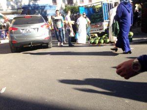 في ظل صمت السلطات الفراشة يحتلون أزقة حي بنكيران 2