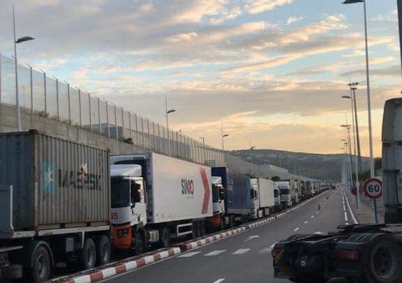 نظام معلوماتي جديد يتسبب في بلوكاج في ميناء طنجة المتوسط 1