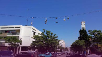 تعليق الأحذية على الأسلاك الكهربائية..ظاهرة غريبة تجتاح شوارع طنجة 4
