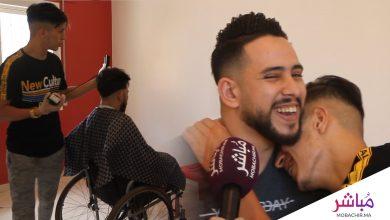 """""""جابر"""" حلاق طنجاوي يتطوع لخدمة ذوي الإعاقات الخاصة وكبار السن في منازلهم بالمجان 5"""