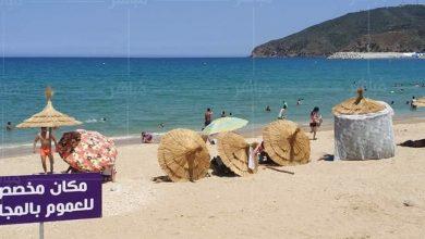 احتلال الشواطئ بعمالة المضيق يمتد الى المظلات المجانية للمصطافين 2