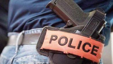 لهذه الأسباب... ضابط الشرطة يشهر سلاحه في وجه مريض نفسي 3
