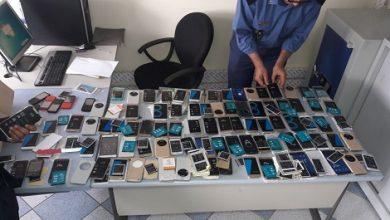 جمارك ميناء طنجة المتوسط تحبط عملية تهريب أزيد من 150 هاتفا ذكيا 2