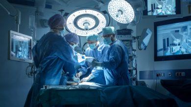 طاقم طبي ينجح في استئصال ورم سرطاني لسيدة ستينية بالحسيمة 6