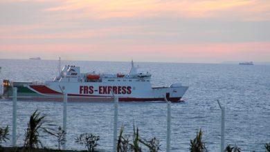 توقف الرحلات البحرية بين مينائي طنجة وطريفة بسبب الأمواج 4