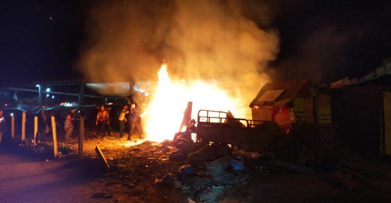 الوقاية المدنية تسيطر على حريق بسوق حي بنكيران 1