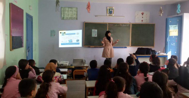 طنجة..عشرات التلاميذ يستفيدون من ورشات حول الإستعمال الآمن للإنترنت 1