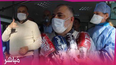 تحت تصفيقات الأطر الطبية والتمريضية شخصين يغادران مستشفى الدوق دو طوفار بطنجة بعد شفائهما التام 2
