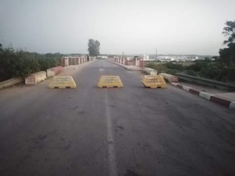 السلطات الإقليمية تغلق مدخل مدينة القصر الكبير 1