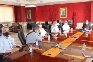 عمدة طنجة يجتمع بالمكتب الجهوي لنقابات طنجة لبحث سبل التعاون 4