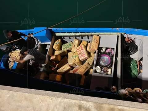 """الدرك يطارد قارب للصيد ويحجز طن من """"الحشيش"""" بمنطقة الرميلات 1"""