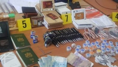 ترويج معدات إلكترونية تستعمل للغش في الامتحانات يجر 14 شخصا إلى الإعتقال 5