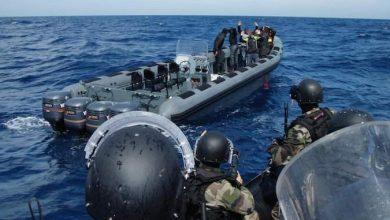 """البحرية الملكية تضبط 1200 كلغ من """"الحشيش"""" وتوقف ثلاثة أشخاص بأشقار 5"""