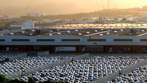"""مصنع """"رونو"""" بطنجة يعلق أنشطته الصناعية لمدة 16 يوما 1"""