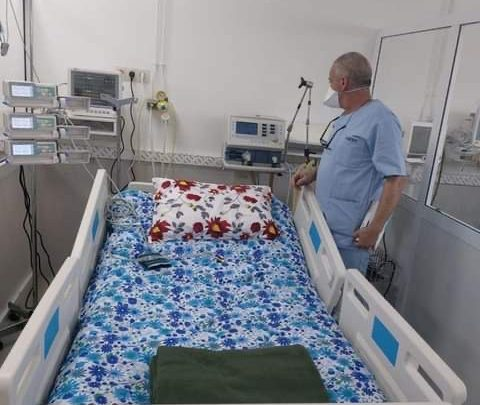 مهيدية يتفقد مصابي كورونا بمستشفى محمد السادس 1