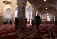 مسؤول بوزارة التوفيق يداهم مسجد بطنجة ويوقف تلاوة الحزب الراتب 11