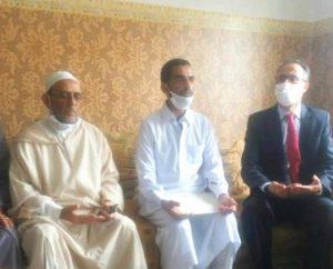"""وفد رفيع عن وزارة العدل يحل بمنزل أسرة الطفل """"عدنان"""" 3"""