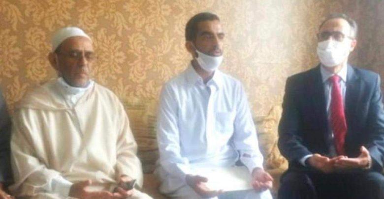 """وفد رفيع عن وزارة العدل يحل بمنزل أسرة الطفل """"عدنان"""" 1"""