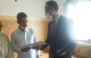 """وفد رفيع عن وزارة العدل يحل بمنزل أسرة الطفل """"عدنان"""" 4"""
