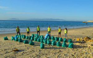 أزيد من طنين من النفايات مخلفات الموسم الصيفي بشواطئ القصر الصغير 4