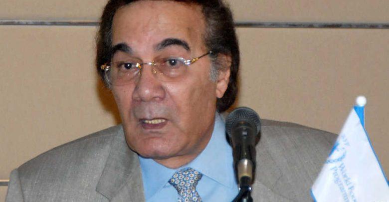وفاة الفنان المصري محمود ياسين 1