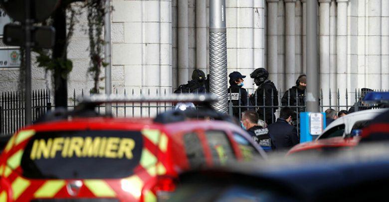 سقوط ثلاثة قتلى في هجوم بسكين بفرنسا 1
