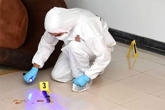 العثور على جثة مقطعة وأخرى معلقة بواسطة حبل وسط شقة سكنية يستنفر الأمن 1