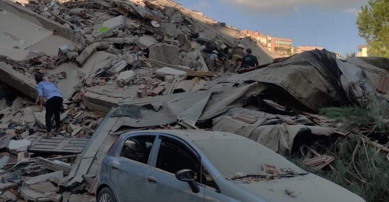 زلزال إزمير بتركيا يخلف 12 قتيلا و 419 جريحا 1