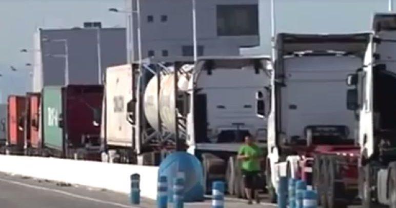 اسبانيا تعود لتغريم شاحنات النقل القادمة من طنجة المتوسط بسبب الوقود 1