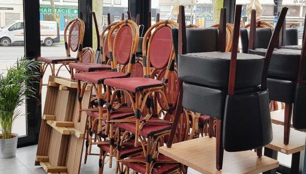 مقاهي ومطاعم الحسيمة تغلق أبوابها لمدة 24 ساعة احتجاجا على الحكومة 1