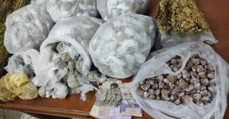 """عمليات أمنية بطنجة تسفر عن توقيف ثلاثة أشخاص وحجز كمية من """"المخدرات"""" 1"""