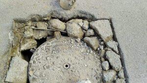 انتشار الحفر بشوارع طنجة يفجر غضبا وسط المواطنين 5