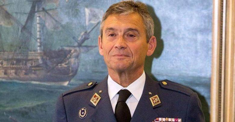 استقالة رئيس أركان الجيش الإسباني بعد تلقيه اللقاح 1