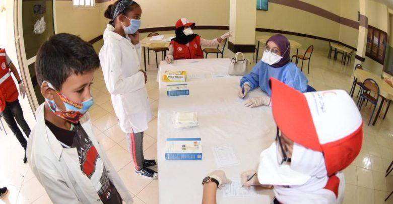 حملة للكشف عن سلالة جديدة لكورونا تستهدف تلاميذ الإعدادي والثانوي بجهة طنجة 1