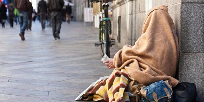 بعد وفاة مهاجر مغربي..وضعية المهاجرين المغاربة بدون مأوى تجر الوافي للمساءلة 1