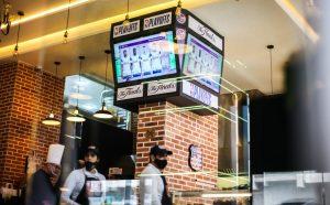 """لأول مرة بالمغرب..افتتاح مطعم """"رايز"""" الأمريكي بطنجة 1"""