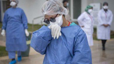 الأطباء الداخليون والمقيمون ينددون بحرمانهم من منحة كوفيد 4