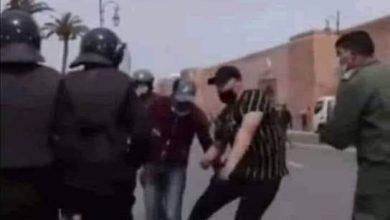 """الداخلية تحقّق في إقدام """"شخص بزيّ مدني"""" على تعنيف أساتذة محتجّين 6"""