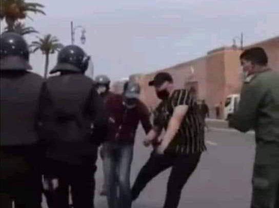 """الداخلية تحقّق في إقدام """"شخص بزيّ مدني"""" على تعنيف أساتذة محتجّين 1"""
