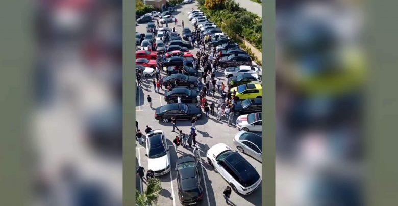 تجمع لسيارات فارهة بمنار پارك بطنجة يخلق الحدث 1