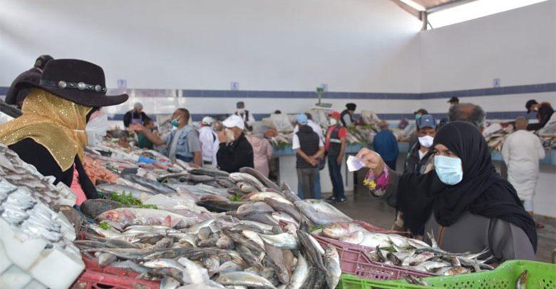 السماسرة يحرمون المغاربة من السمك خلال شهر رمضان 1