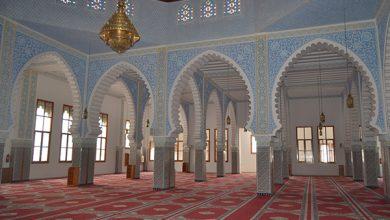 مسجد غينيا .. صرح روحاني ومعماري في قلب الحسيمة 3
