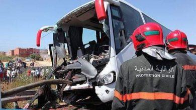 مصرع شخصين وإصابة 30 آخرين في حادث انقلاب حافلة لنقل المسافرين 6
