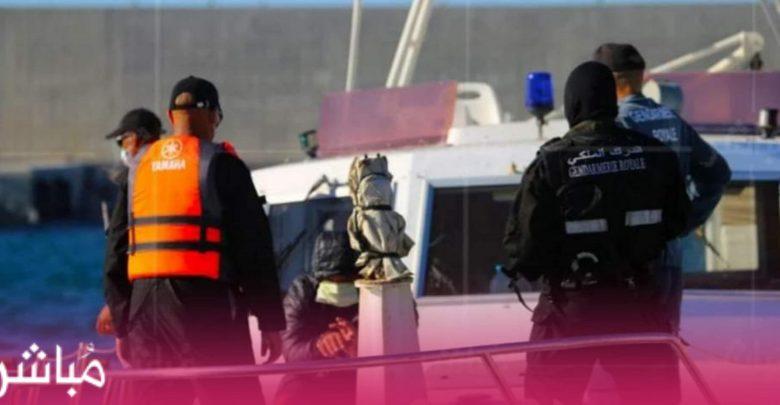 """البحرية الملكية تسحب حوالي 5 أطنان من """"الحشيش"""" تخلى عنها مهربون بعرض البحر 1"""